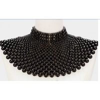 pearl_bib_necklace_1