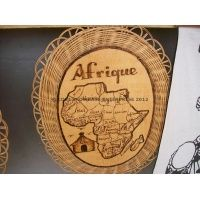 wicker_woven_platter_with_african_map